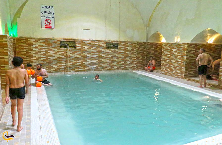 استخر شنا در روستای شاهان گرماب