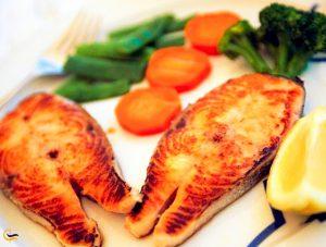 غذای دریایی لذیذ در رستوران عمو اکبر