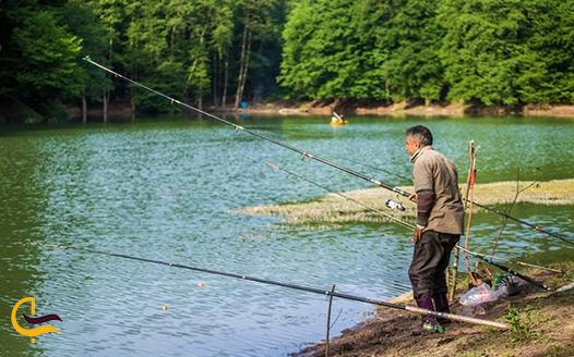ماهیگیری در دریاچه چورت