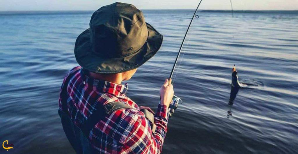 ماهیگیری در دشت لار
