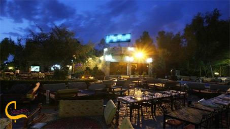 فضای رستوران پایاب در کیش