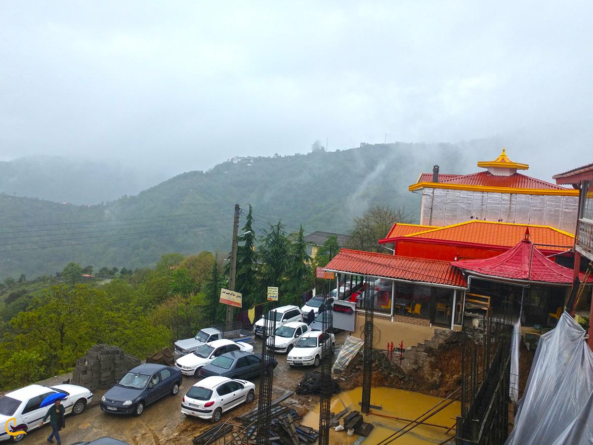 نمایی زیبا از رستوران خاور خانم