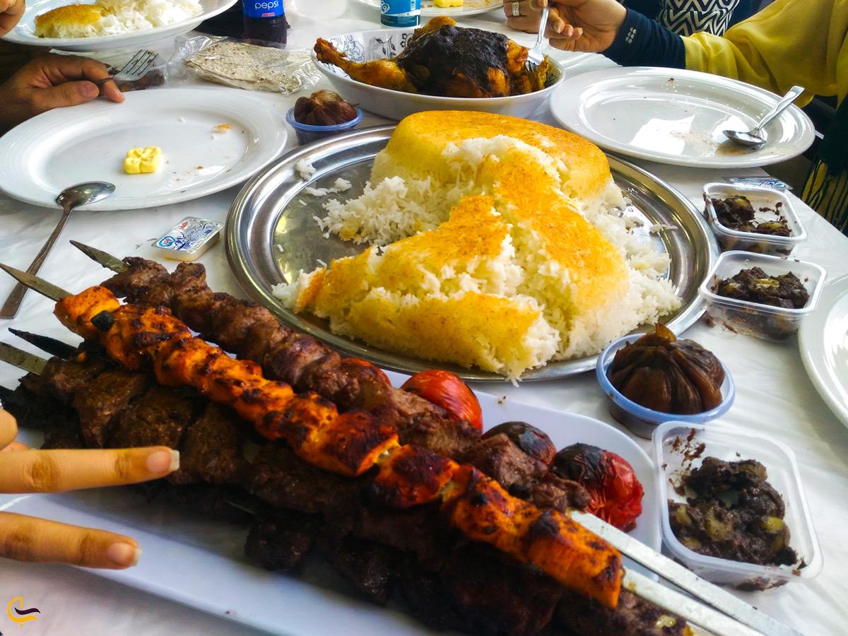 چلوکباب در رستوران خاور خانم