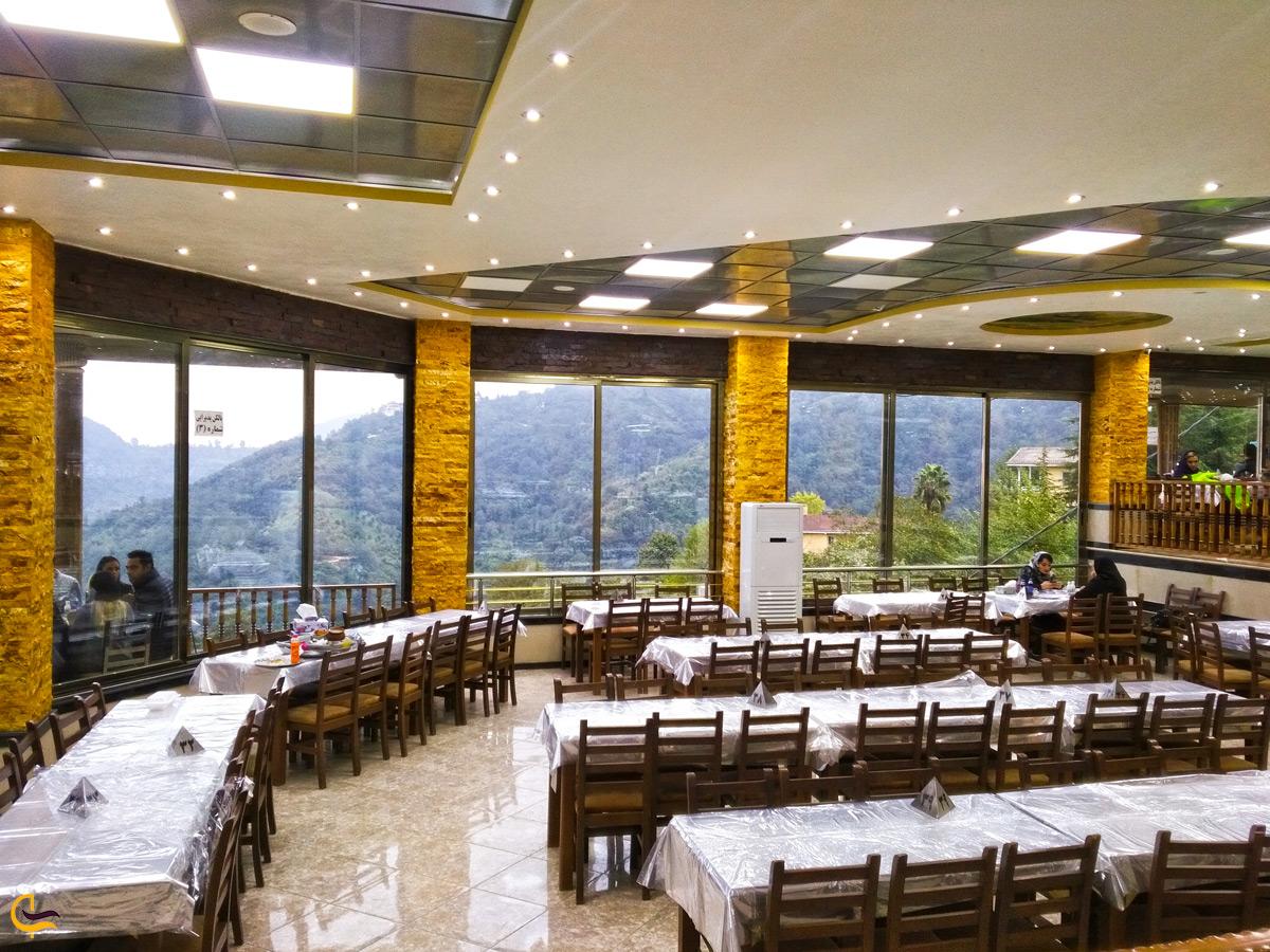 نمای داخلی رستوران خاور خانم