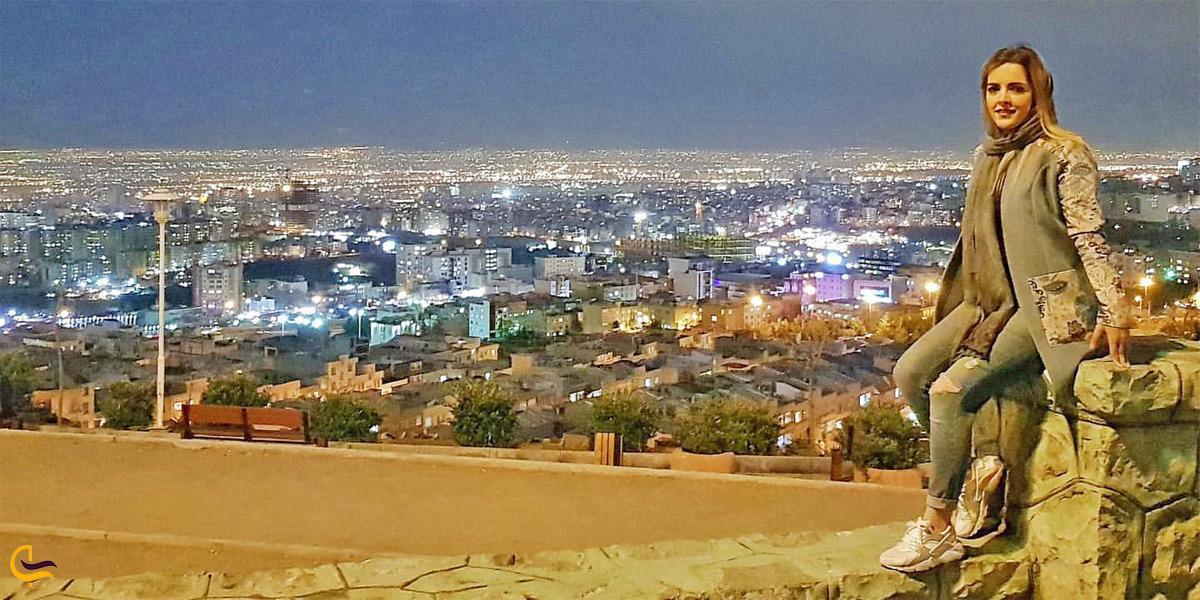 نمای بوستان پرواز در شب