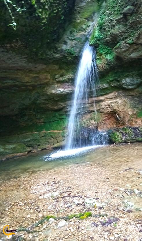 آبشار پلنگ دره از نمای چپ
