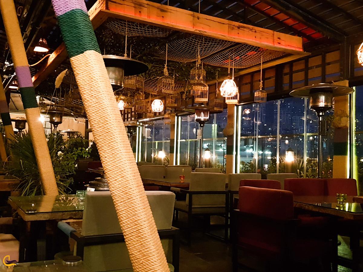 رستورانی زیبا در مرکز خرید روشا