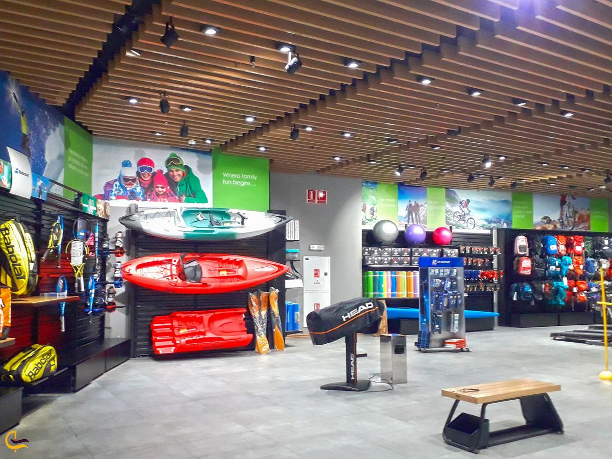 انواع مختلف تجهیزات ورزشی در مرکز خرید روشا