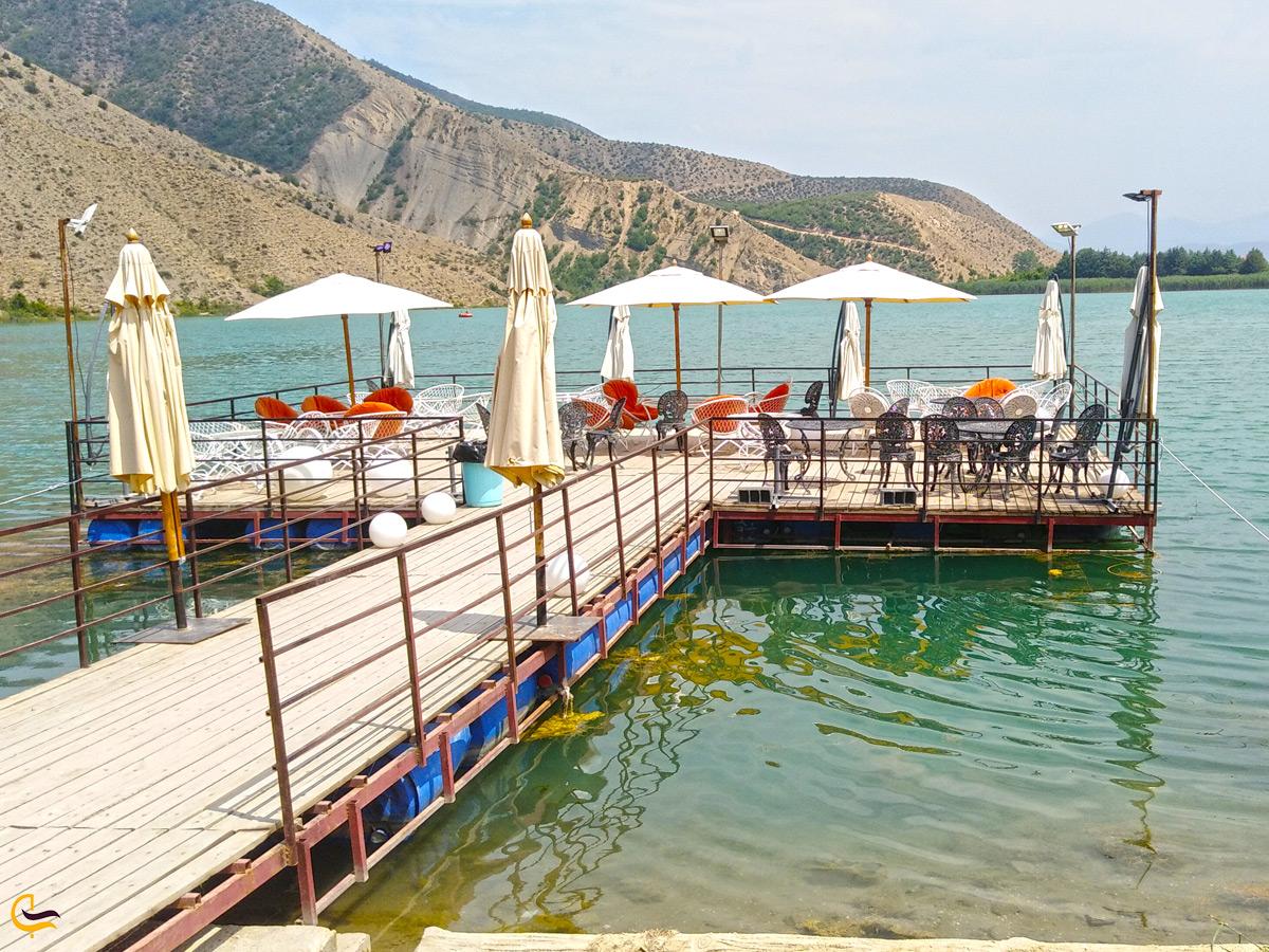 رستوران روی آب دریاچه ولشت