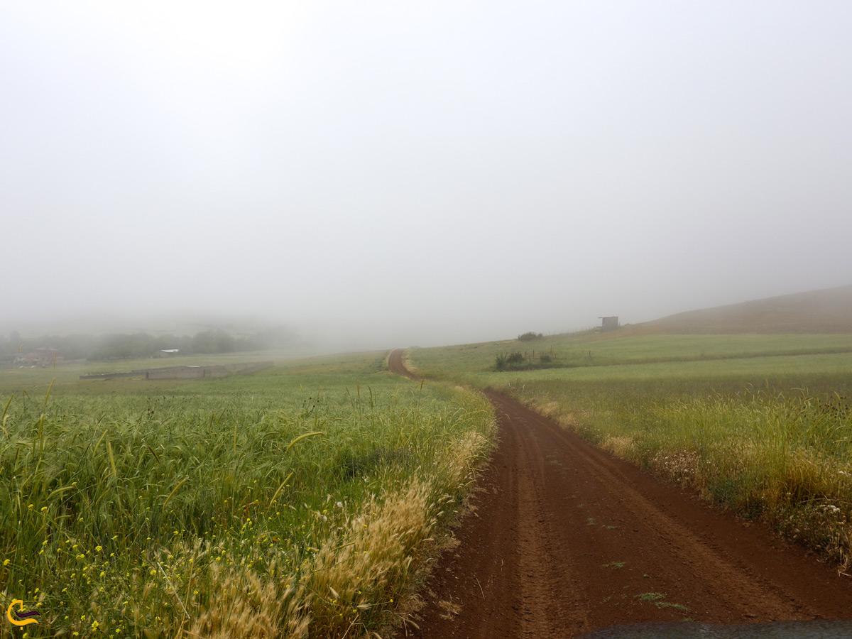 راه رسیدن به دریاچه ولشت در مه