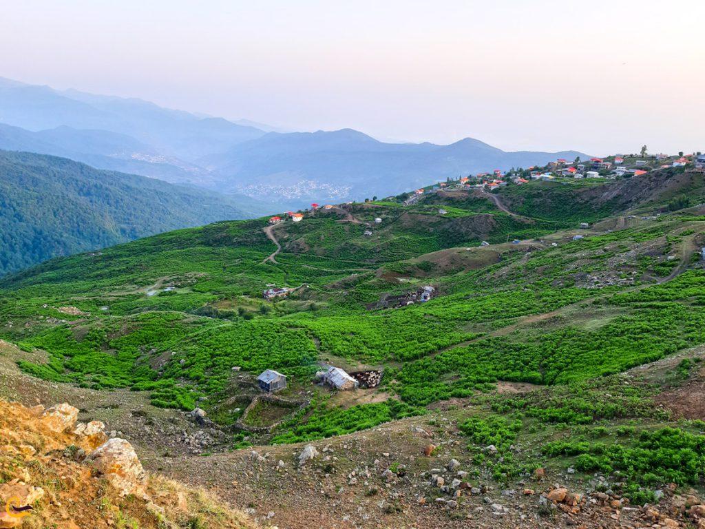تصویری شگفتانگیز از روستای فیلبند در شمال ایران