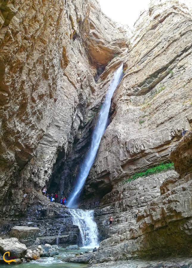 آبشار ارنگه از نمایی دیگر