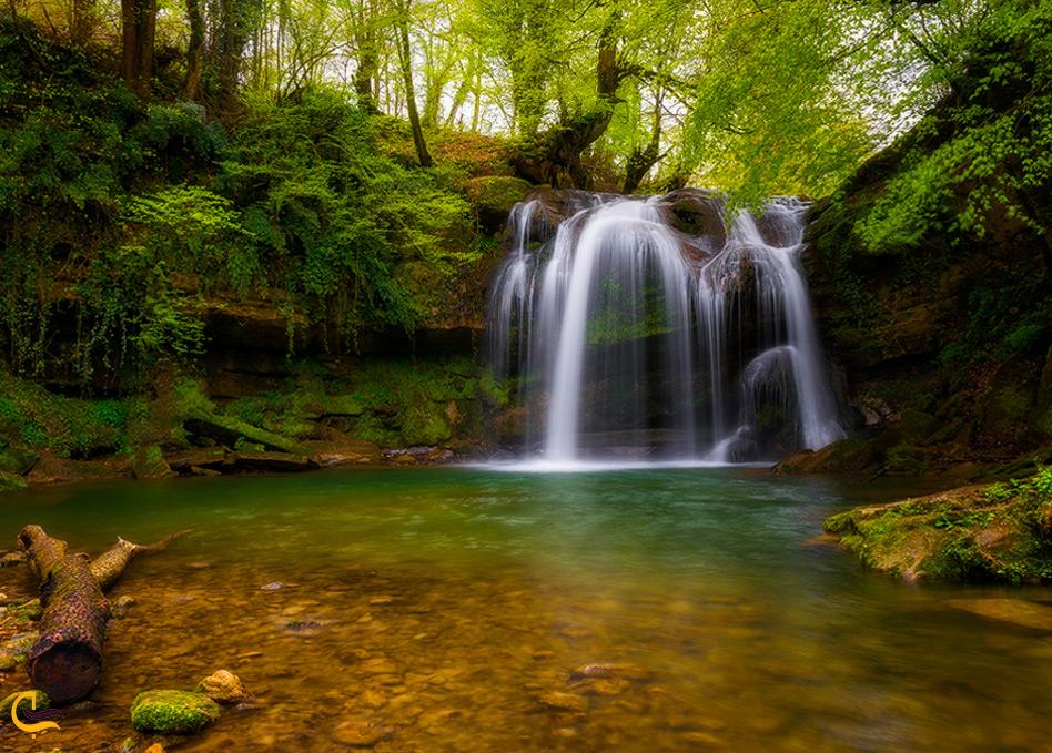 طبیعت پاییزی از هفت آبشار تیرکن