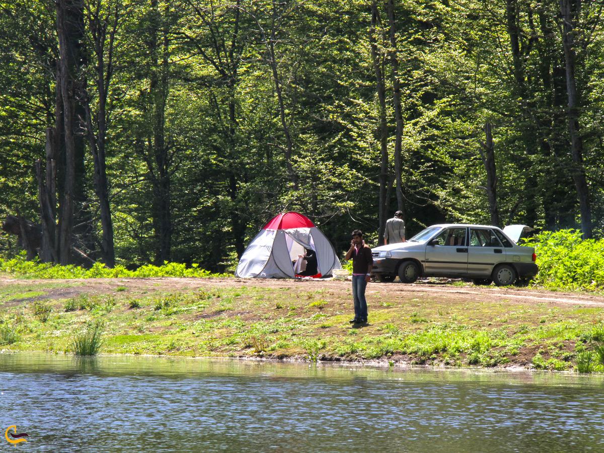 کمپینگ در اطراف دریاچه الندان