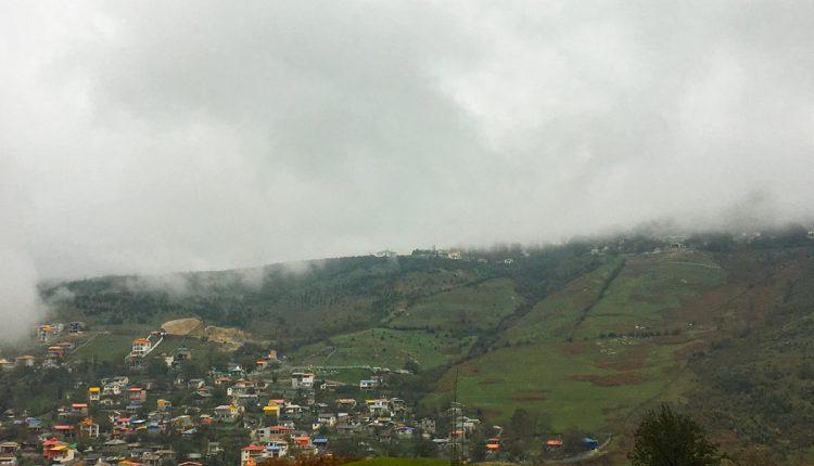 خانههای سقف شیروانی در روستای فیلبند