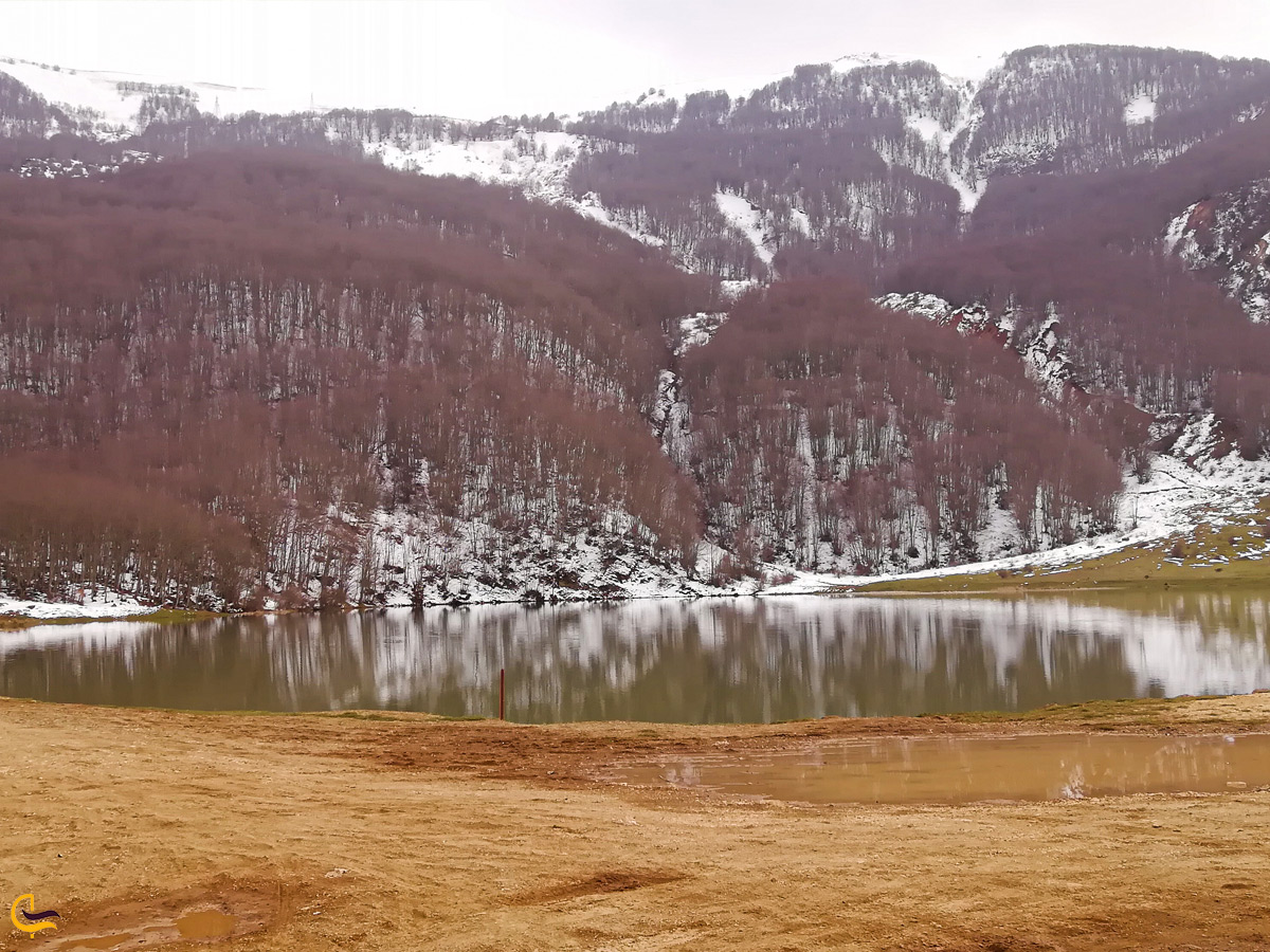 دریاچه ویستان در زمستان