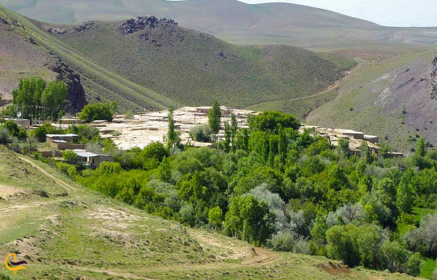 نمایی دور از روستای چناقچی علیا