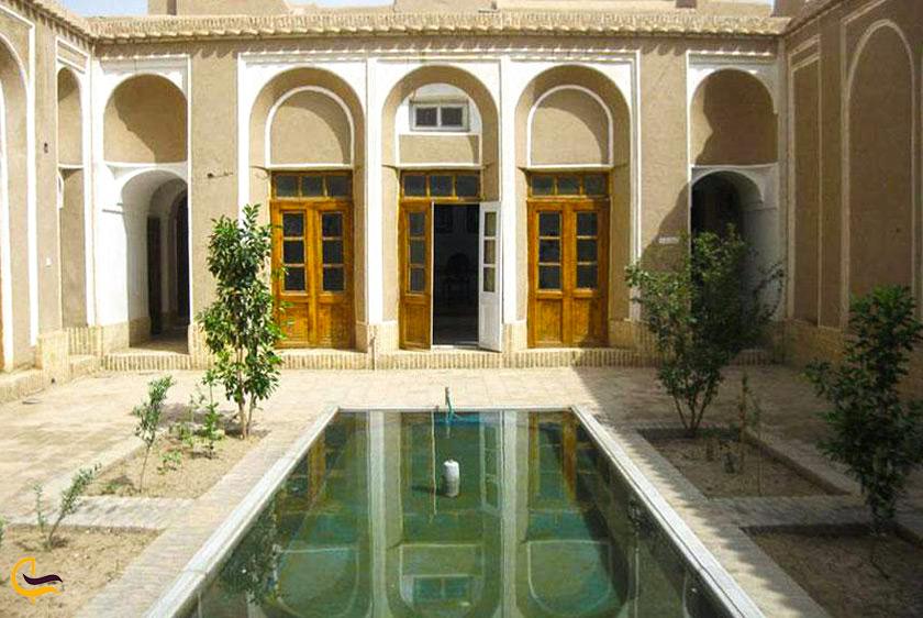 کوشک حاجی آباد در فردوس