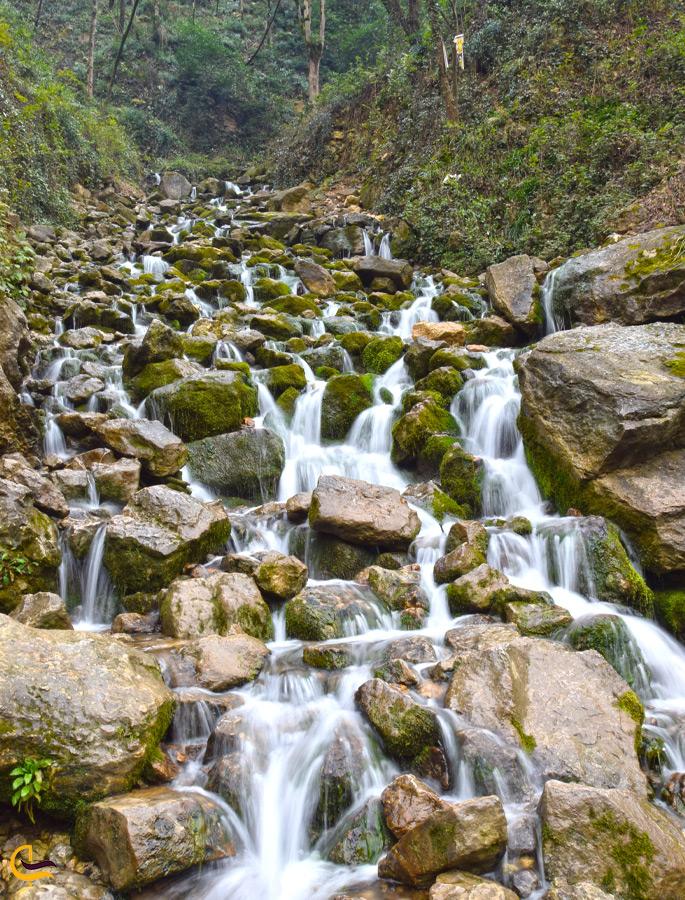 آبشار پلکانی آب پری