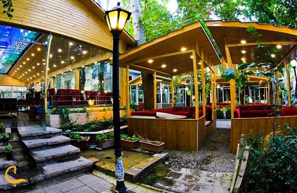 تصویر زیبای نمای داخلی رستوران آبشار مشهد