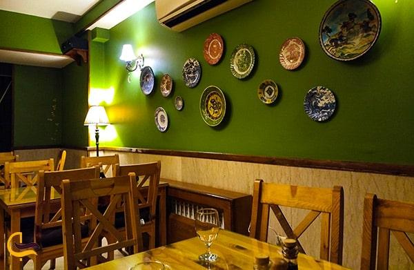 تصویر نمای داخلی رستوران زیبای ایتالیایی باغ زیتون 2 در مشهد