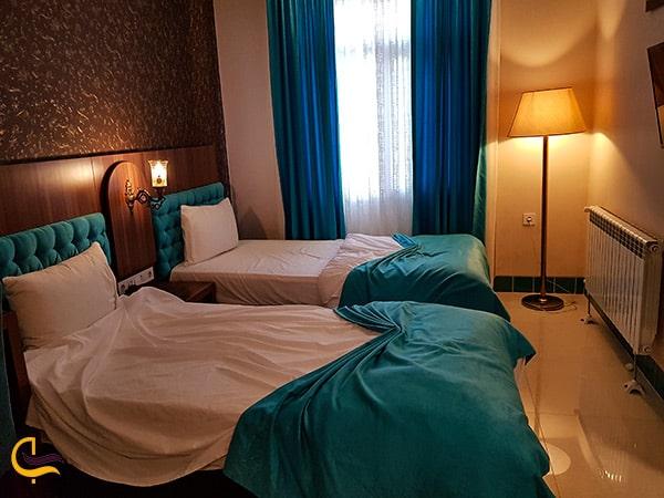 تصویر اتاق خواب راحت در بهترین اتاق های هتل ارگ شیراز