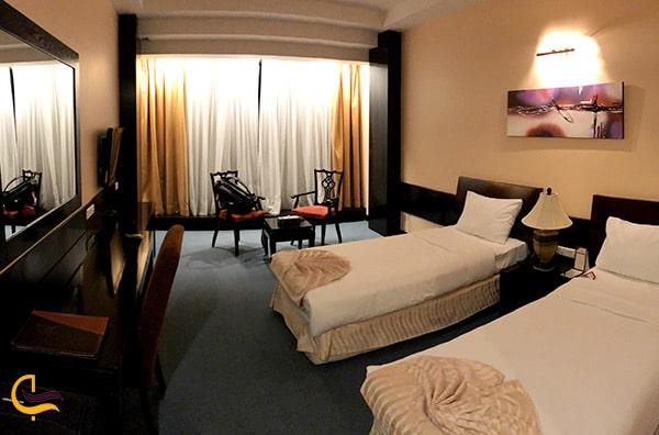 تصویر زیبا از دیزاین و دکوراسیون داخلی اتاق های هتل چمران