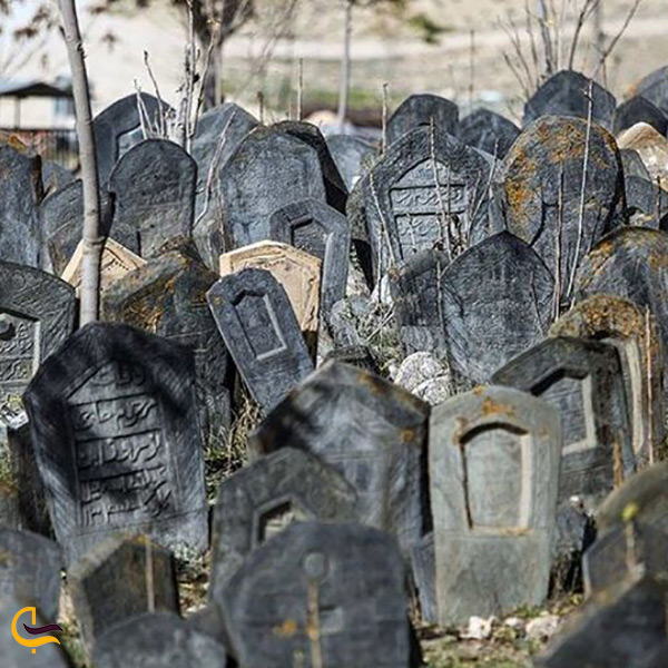 قبرستان عجیب و باستانی گشت در سراوان