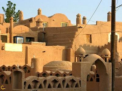 نمای خارجی قلعه زیبای بیاضه در منطقه خور و بیابانک