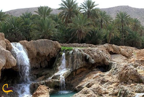 نمای کلی و زیبای چشمه آب گرم گنو بندرعباس