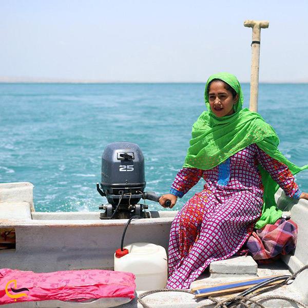زنان ماهیگیر جزیره هنگام