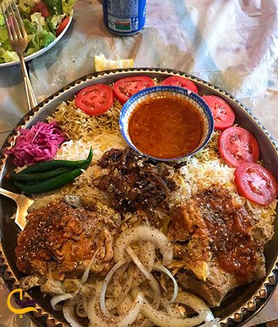غذاهای بومی و خوشمزه در رستوران مضیف حاج عبدالله