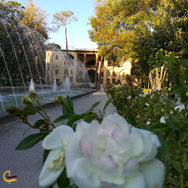 فصل بهار در کاخ هشت بهشت حاج صفی