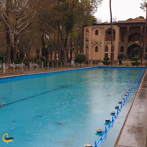 حوض زیبا و بزرگ کاخ هشت بهشت