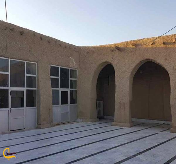 صحن مسجد جامع دزک در سراوان
