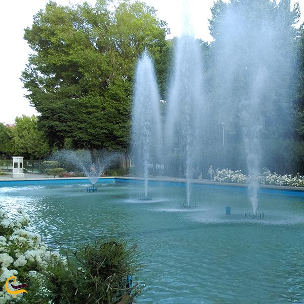 آبنمای باغ زیبای کاخ هشت بهشت اصفهان