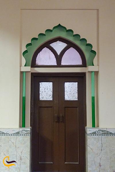 عکسی از درب ورودی مسجد جامع تیس