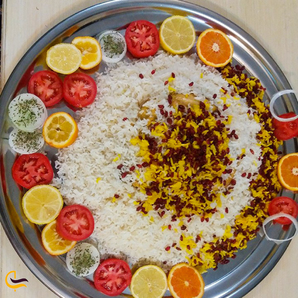 زیر برنجی مرغ خوشمزه با دیزاینی زیبا