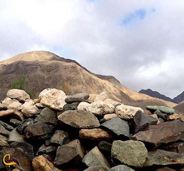 کوه ملک سیاه جاذبه دیدنی زاهدان