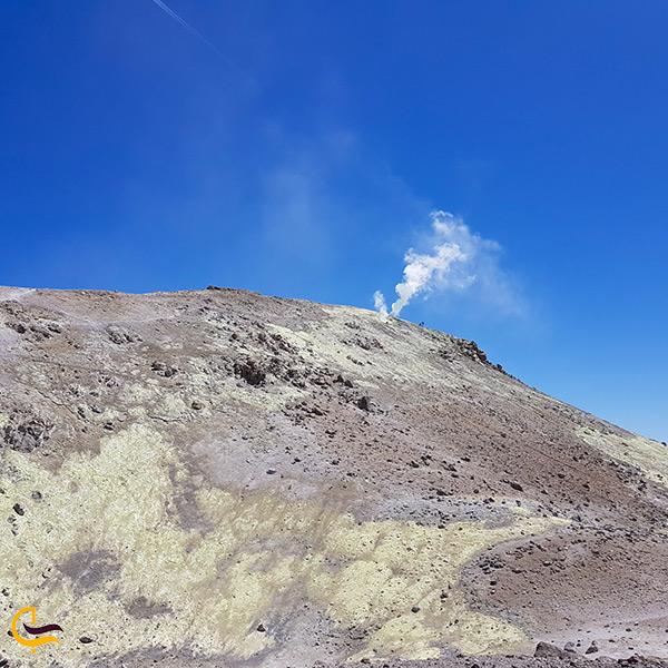 قله شمالی رشته کوه تفتان قله زیارت
