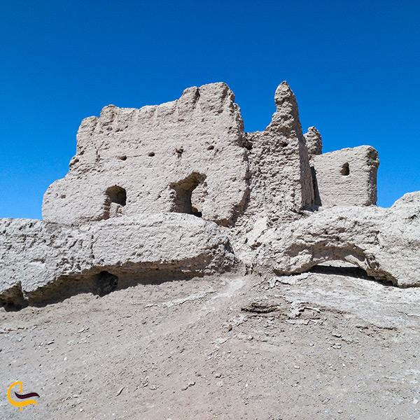 تصویر قلعه بمپور زیبا