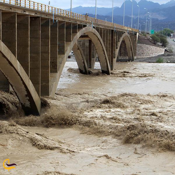 رود رودان رودخانه ای پرآب در شهر میناب