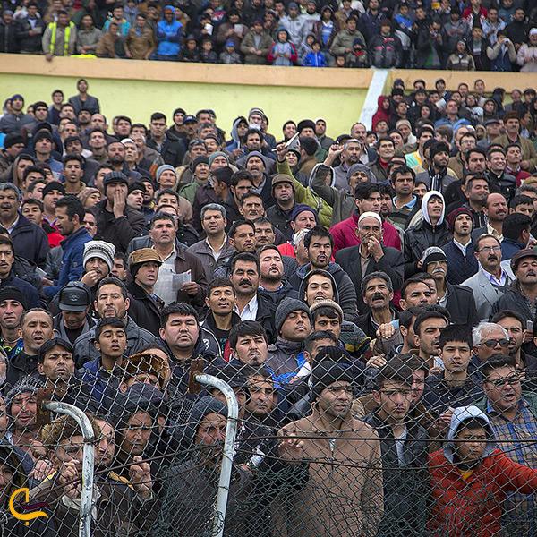 تماشاچیان مسابقات کشوری سوارکاری در گنبد کاووس