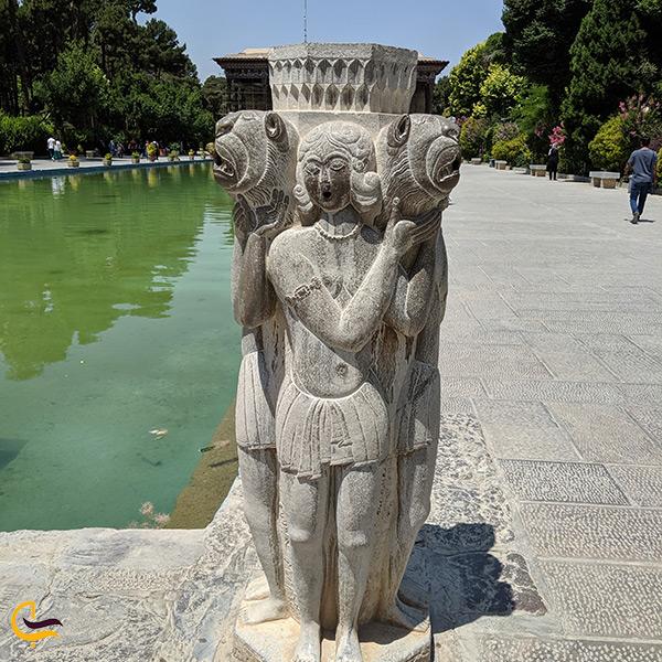 مجسمه های سنگی باغ کاخ چهل ستون
