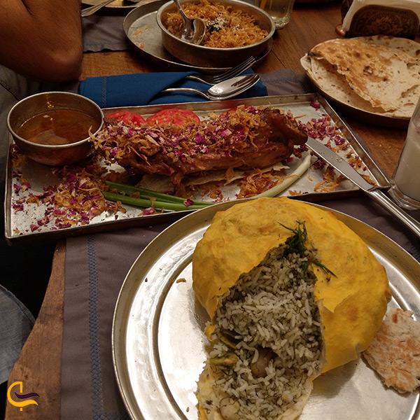 سرو جالب برنج در خمیر یوفکا در رستوران مستوران