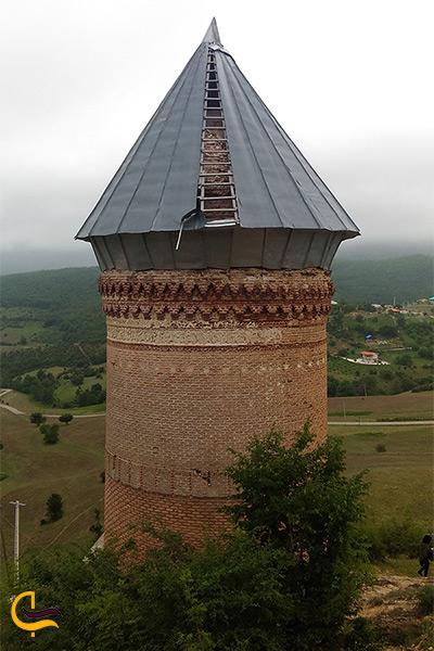 برج زیبای رسکت در شهر ساری