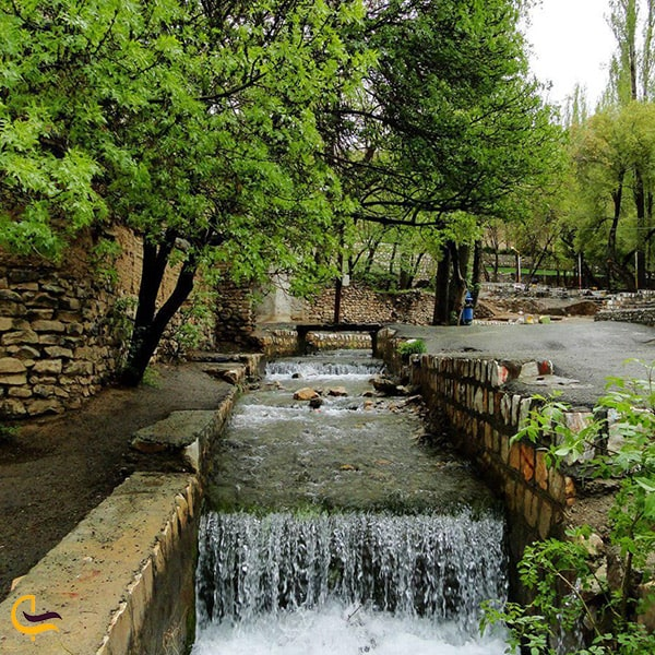 طبیعت زیبا و چشمه های پارک ملی سرچشمه خوانسار