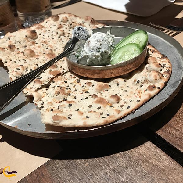 نان و پنیر پیش غذای سنتی رستوران مستوران