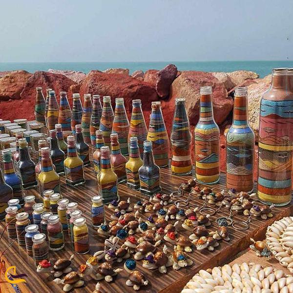 خرید سوغاتی های رنگی رنگی نماد خاک غنی و اصیل جزیره هرمز