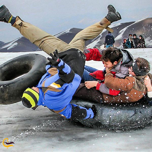 خطرات تیوپ سواری در پیست اسکی